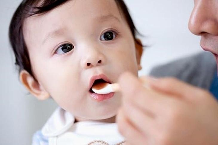 Dùng siro ho để điều trị các triệu chứng viêm họng mãn tính