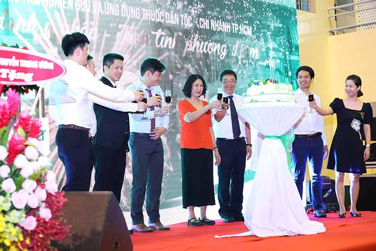 Buổi lễ chúc mừng tại Thuốc dân tộc cơ sở phía nam đã được tổ chức thành công rực rỡ