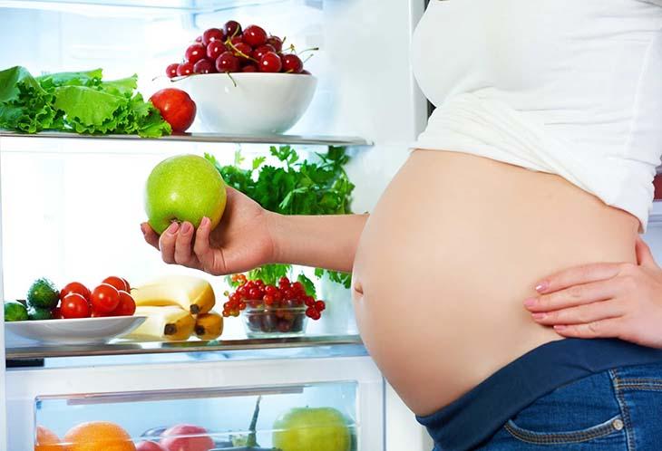 Thay đổi chế độ ăn lành mạnh giúp đảm bảo sức khoẻ cho mẹ và bé