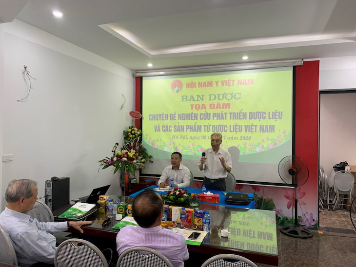 Thầy thuốc ưu tú, dược sĩ cao cấp Nguyễn Đức Đoàn - Chủ tịch Hội Nam Y Việt Nam phát biểu