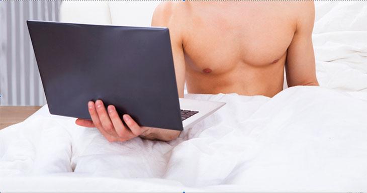 Hạn chế việc thủ dâm quá nhiều để tránh tình trạng tinh trùng màu vàng