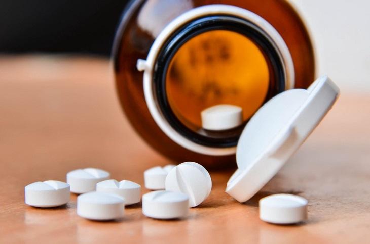 Thuốc Tây trị mề đay mãn tính đem lại hiệu quả nhanh nhưng ẩn chứa tác dụng phụ