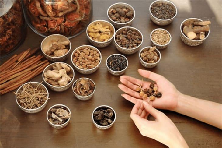 Sơ can Bình vị tán là bài thuốc Đông y được bào chế từ thảo dược tự nhiên có hiệu quả chữa bệnh tuyệt hảo