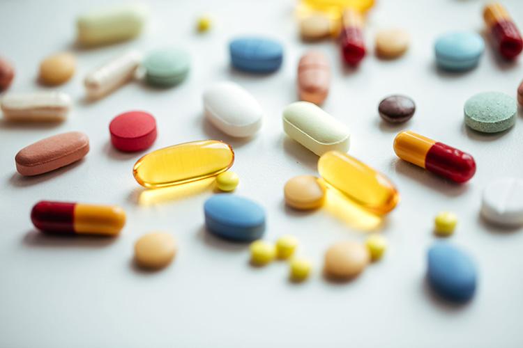 Thuốc Tây y giúp người bệnh thoát vị đĩa đệm giảm đau nhanh chóng