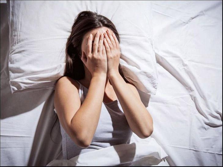 Khó ngủ phải làm sao - Hãy tống tiễn mọi suy nghĩ tiêu cực