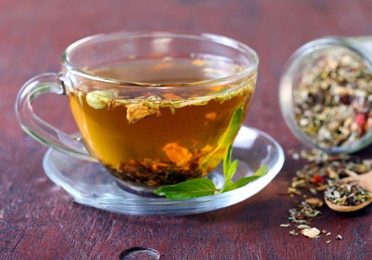 Thư giãn não bộ với trà cam thảo