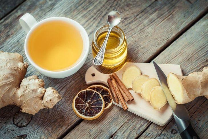 Sử dụng trà gừng mỗi ngày giúp lưu thông khí huyết, trị khó ngủ sụt cân