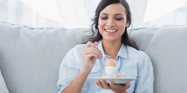 Bổ sung trứng vào chế độ ăn một cách hợp lý có thể hỗ trợ tốt cho điều trị trào ngược dạ dày