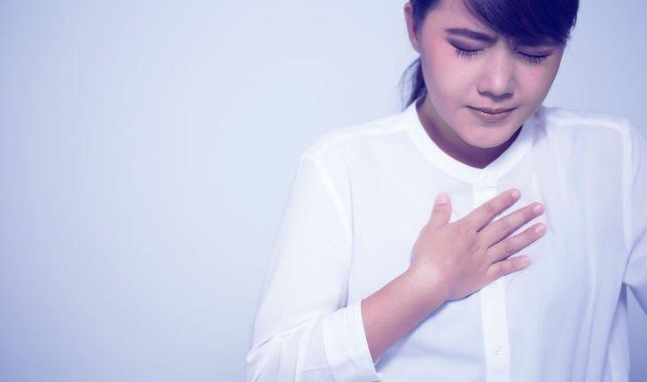 Trào ngược dạ dày gây khó thở có thể xuất phát từ nhiều nguyên nhân