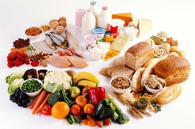 Chế độ ăn uống lành mạnh là một trong những cách trị trào ngược dạ dày ở bà bầu