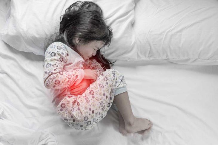 Tình trạng đau dạ dày ở trẻ em thông thường có thể khắc phục hiệu quả bằng chế độ ăn uống và sinh hoạt