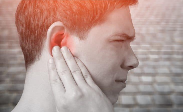 Khó nghe, đau dữ dội là những triệu chứng điển hình của bệnh