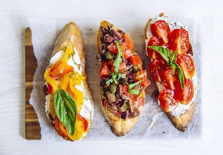 Thức ăn nhanh dễ kích ứng da bị viêm ngứa đối xứng