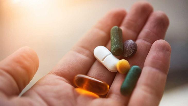 Thuốc uống điều trị toàn thân cho người bệnh