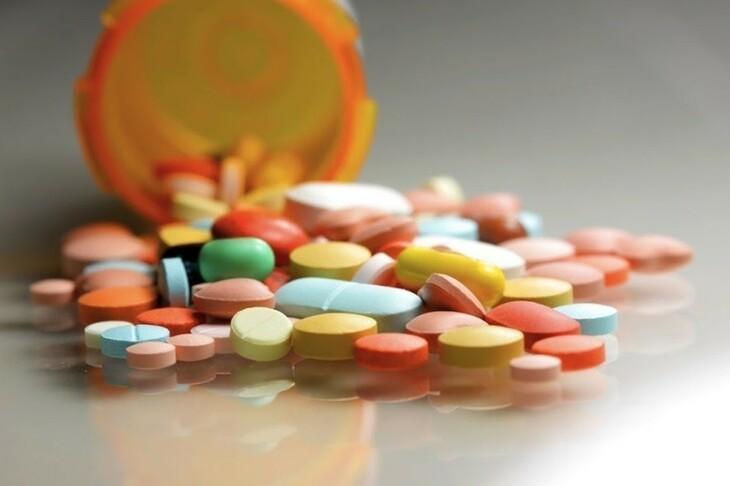 Thuốc kháng sinh – thủ phạm giết chết lợi khuẩn và gây viêm đại tràng