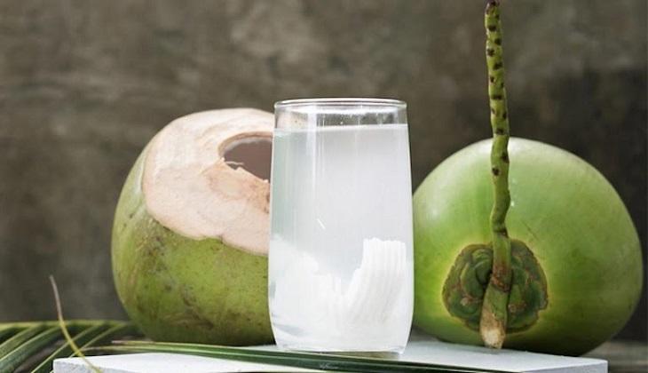 Nước dừa cung cấp nhiều dưỡng chất đặc biệt tốt cho sức khỏe