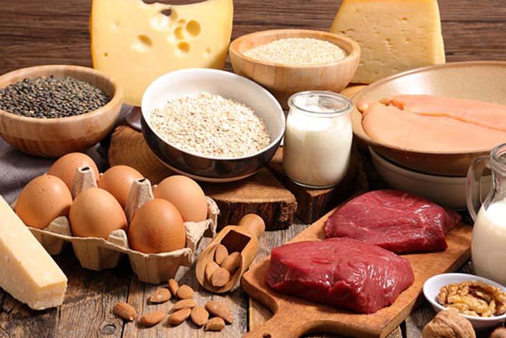 người bệnh cũng cần bổ sung đủ protein để cải thiện sức khỏe.