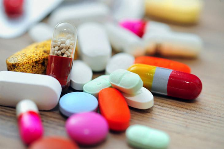 Viêm họng có cần uống kháng sinh trong trường hợp bị nhiễm khuẩn