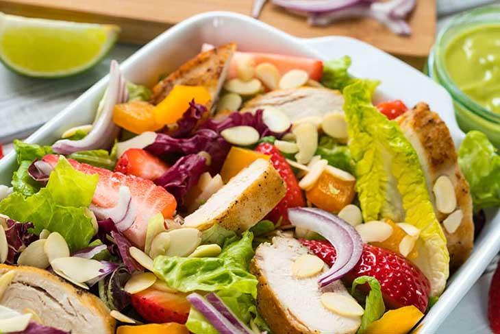Điều chỉnh chế độ dinh dưỡng phù hợp với tình trạng bệnh viêm họng gây hôi miệng