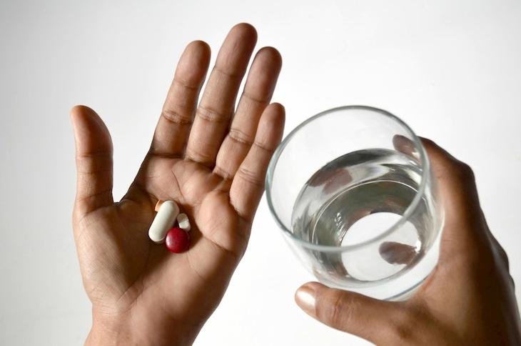 Thuốc kháng sinh giúp giảm nhanh triệu chứng bệnh và hạn chế nguy cơ lây lan