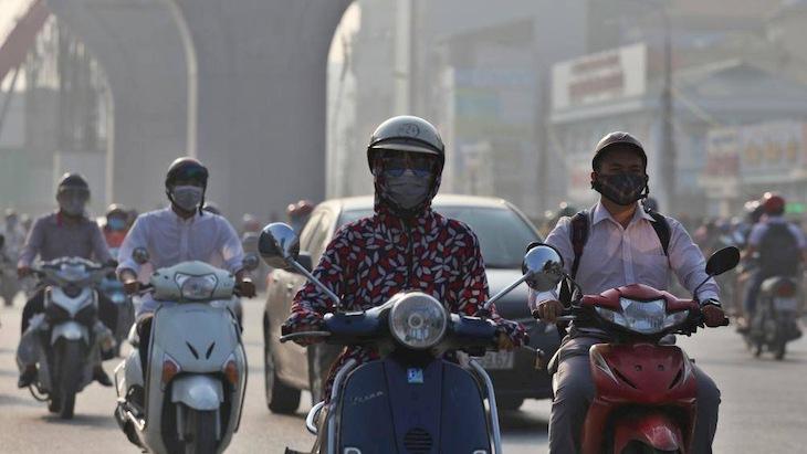Môi trường ô nhiễm cũng là nguyên nhân quan trọng gây ra bệnh