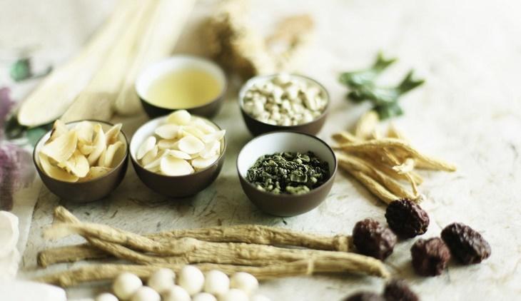 Nhiều bài thuốc Đông y có tác dụng tốt, điều trị mẩn ngứa an toàn, hiệu quả