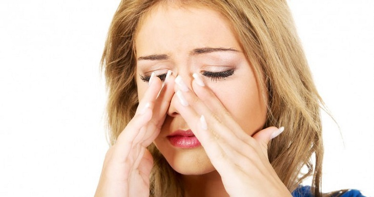 Khi bị bội nhiễm, dịch mũi sẽ có màu vàng