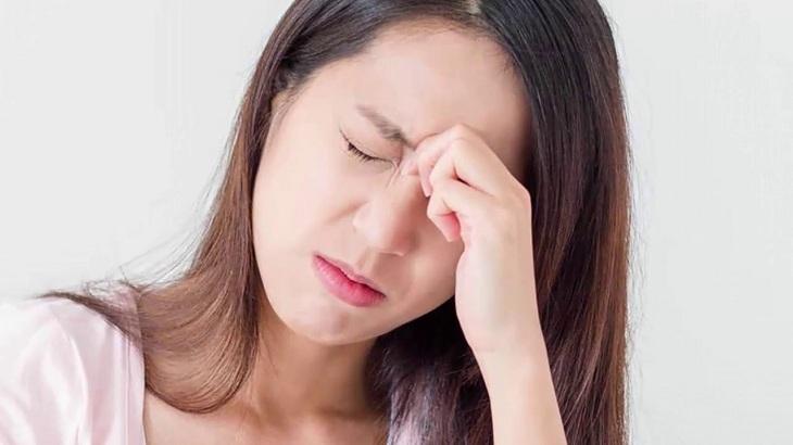 Viêm mũi dị ứng gây ngứa mắt