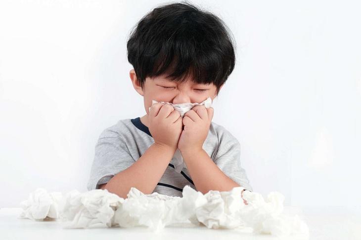Viêm mũi họng xuất tiết là gì?