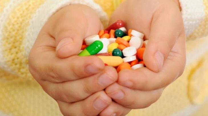 Trẻ em có nên uống thuốc Tây trị viêm tai?