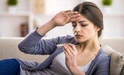 Bệnh viêm xoang có thể kèm theo triệu chứng sốt