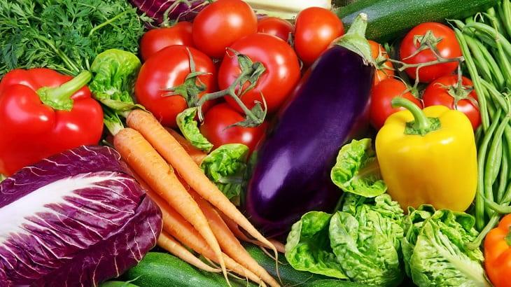 Viêm xoang sàng nên ăn nhiều thực phẩm giàu vitamin để bổ sung dưỡng chất cần thiết cho cơ thể