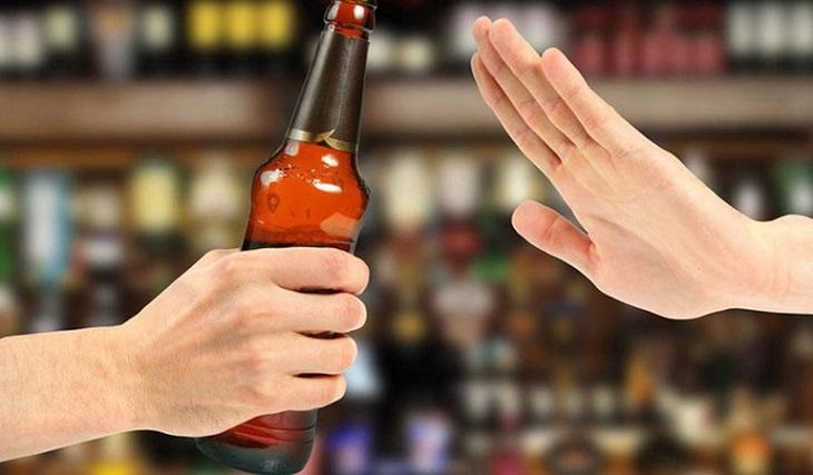 Viêm xoang sàng cần nói KHÔNG với các loại đồ uống kích thích và thực phẩm có cồn
