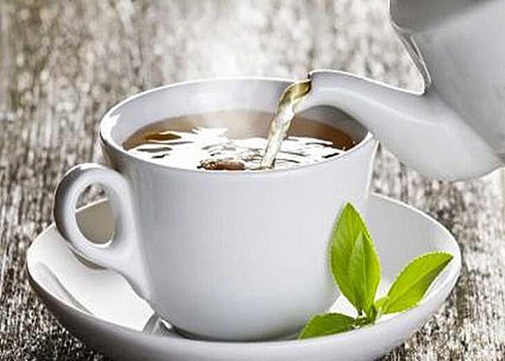 Dùng nước trà xanh ấm mỗi ngày có thể ngăn ngừa viêm xoang tái phát