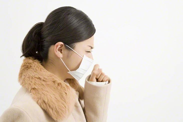 Viêm xoang gây ho là tình trạng thường gặp, khởi phát do vi khuẩn, virus hoặc các tác nhân gây kích thích