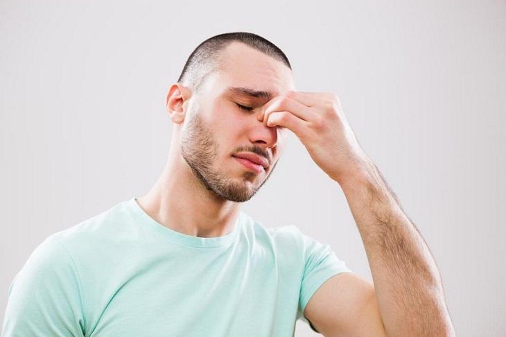 Viêm xoang trán mãn tính khởi phát chủ yếu do không điều trị viêm xoang cấp triệt để