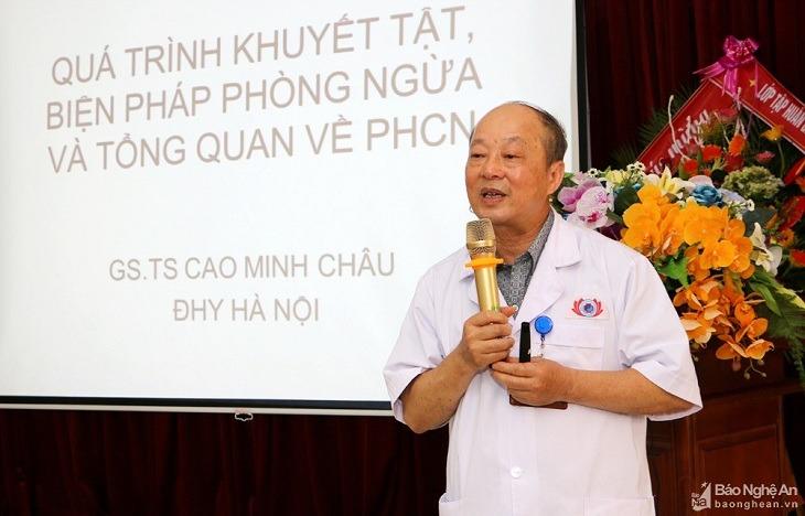 GS.TS Cao Minh Châu là chuyên gia hàng đầu về Phục hồi chức năng