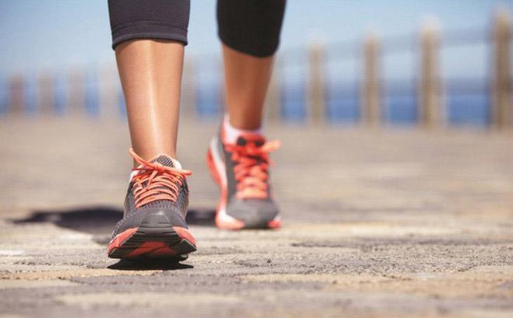 Bài tập chữa rối loạn tiền đình đơn giản bằng cách đi bộ