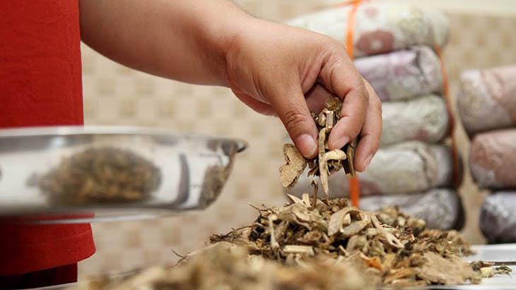 Các bài thuốc từ YHCT có thành phần từ thảo dược thiên nhiên, bởi vậy nên lành tính và không có tác dụng phụ