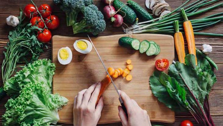 Khi bị á sừng người bệnh nên có chế độ dinh dưỡng hợp lý