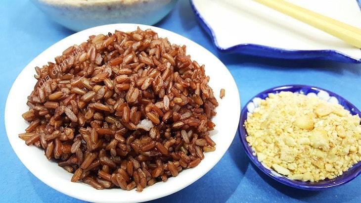 Bị bệnh trĩ nên ăn gì tốt? Sử dụng gạo lứt muối mè có tác dụng không?