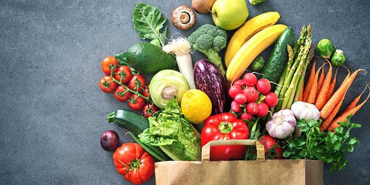 Bệnh nhân nên bổ sung nhiều hoa quả và rau xanh vào chế độ ăn