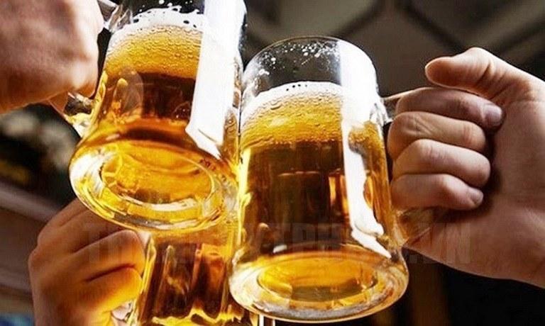 Người bị phong ngứa cần kiêng rượu bia, chất kích thích