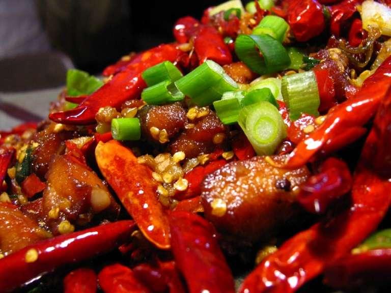 Đồ ăn cay nóng ảnh hưởng xấu tới người bị phong ngứa