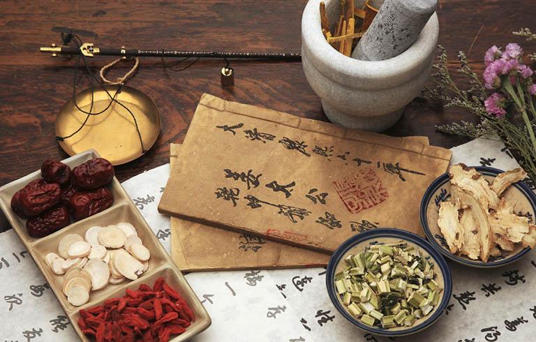 Dung các bài thuốc Đông y giúp trị mẩn ngứa từ căn nguyên bệnh