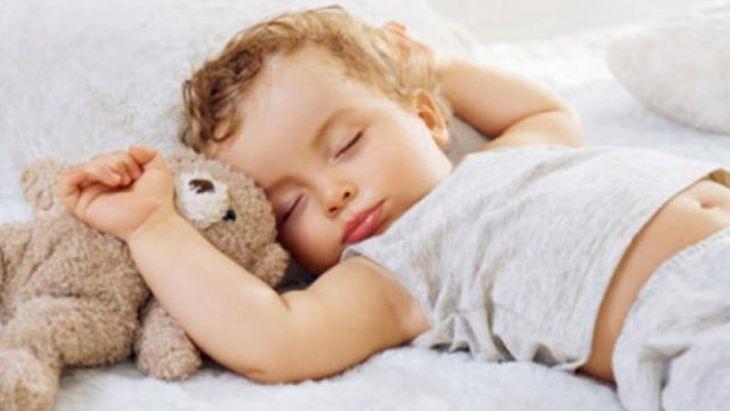Mẹ cần bổ sung đầy đủ dinh dưỡng để bé có giấc ngủ ngon