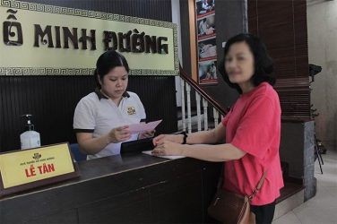 Cô Hạnh mong muốn tìm kiếm phương pháp chăm sóc sức khỏe bằng Đông y