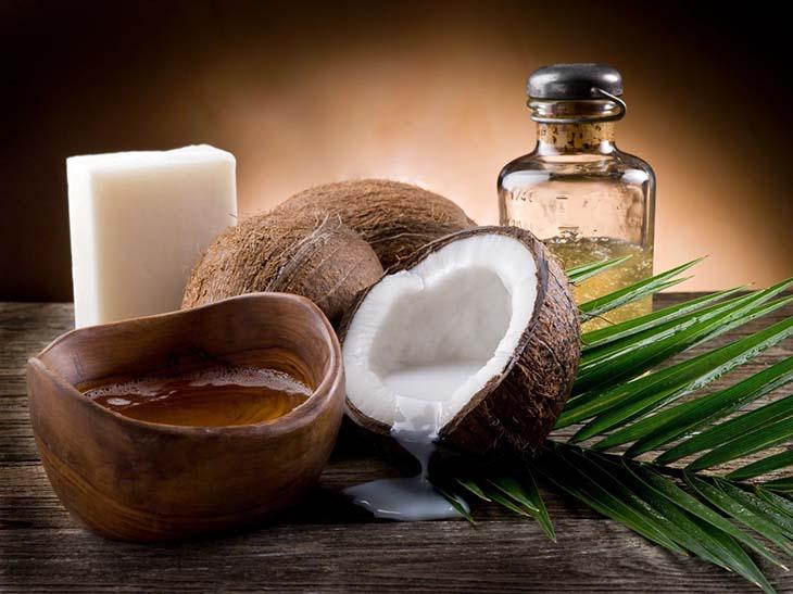 Kháng khuẩn, làm dịu cơn ngứa, thu hẹp kích thước búi trĩ là những gì mà dầu dừa có thể thực hiện