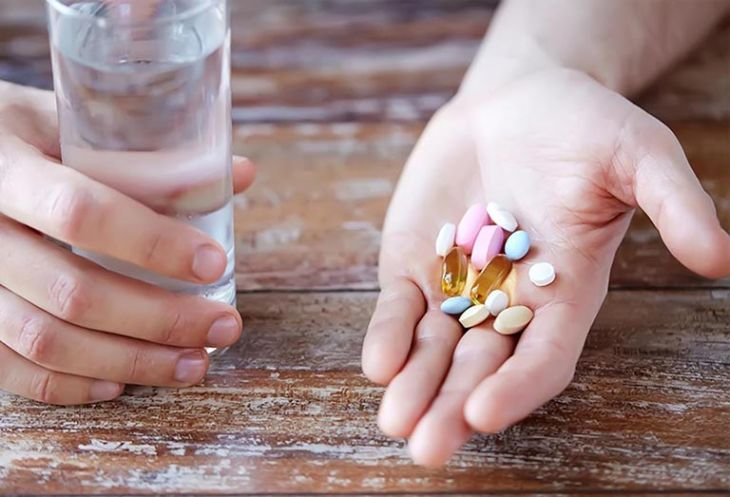 Người bệnh không nên tự ý mua thuốc về điều trị