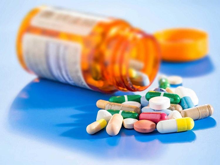 Theo phác đồ điều trị thuốc Tây Y sẽ có một số thuốc tác dụng ức chế thần kinh, giảm đau nhanh chóng